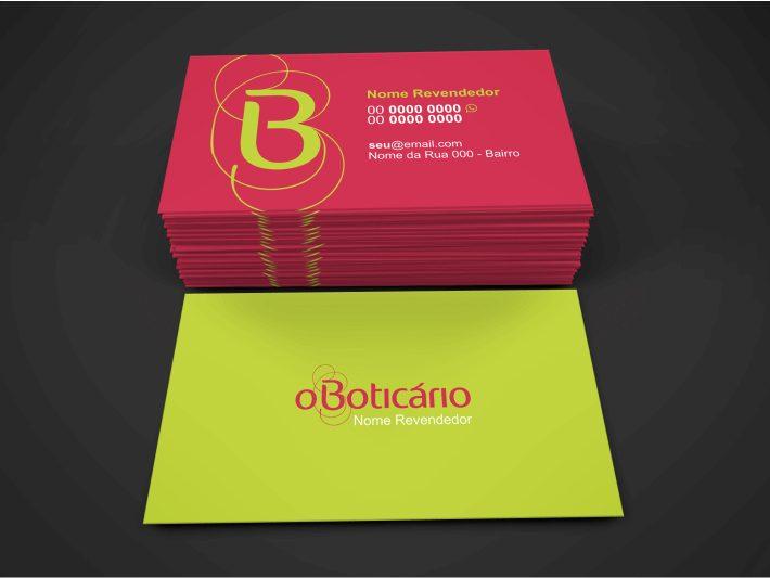 Na hora de criar um cartão de visita de revendedor(a) o Boticário, tenha em mente uma coisa: é preciso que a pessoa saiba que você trabalha com a marca. Sendo assim, mantenha a marca do O Boticário no centro desse cartão, escreva seu nome e meios de contato. Prontinho para impressão!